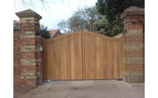 Gates And Fencing In York Sandalwood Gates Amp Timber