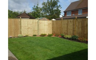 Straight Top Featherboard Fencing