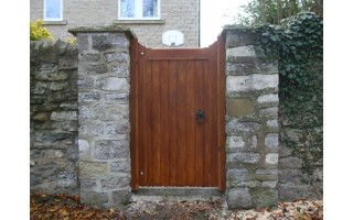 Straight Top Frame, Brace & Ledge Side Doors (Softwood)