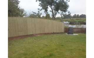 'On The Face' Featherboard Fencing